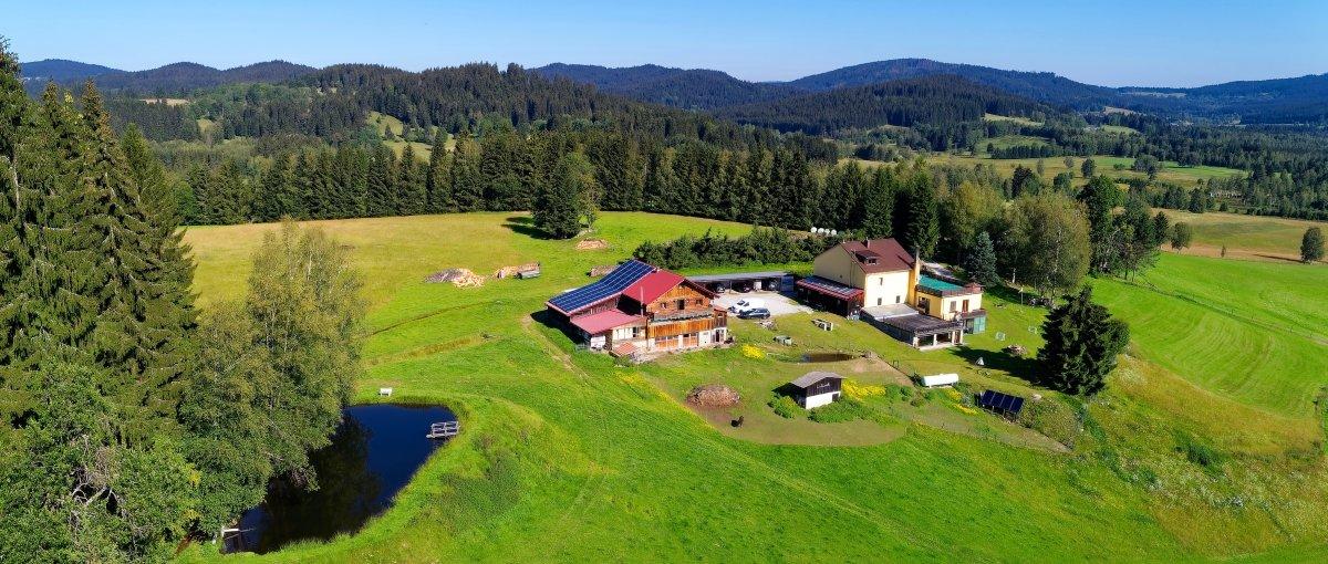 runenhof-bauernhof-pension-bayerischer-wald-dreilaendereck-alleinlage-panorama