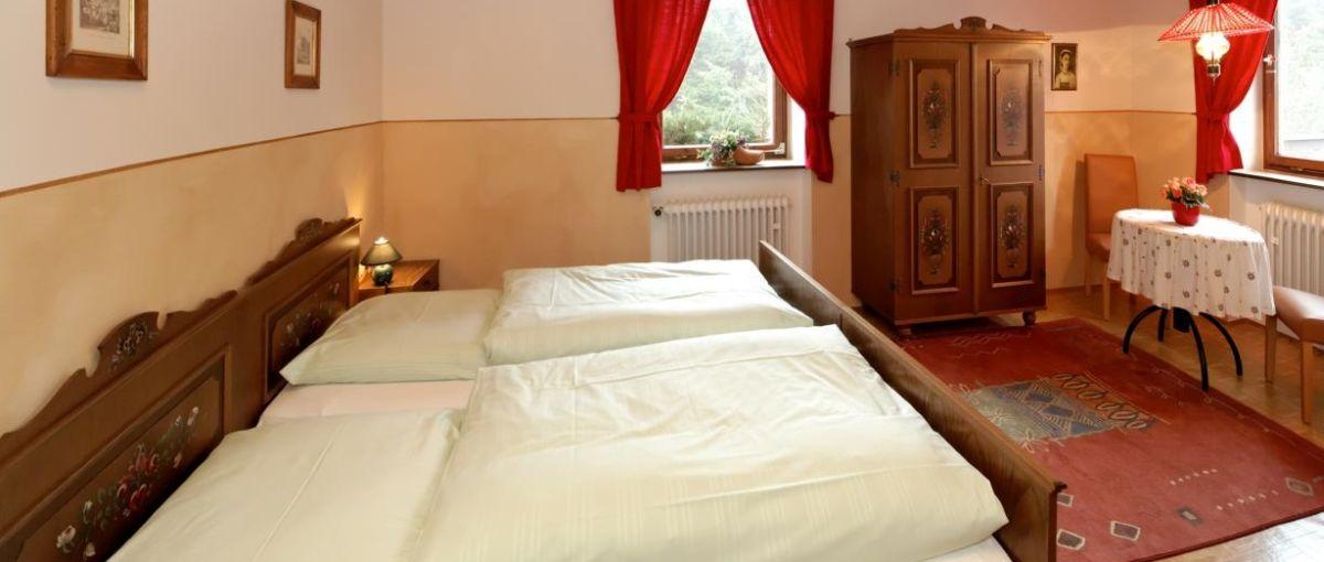 Runenhof Zimmer mit Frühstück und Halbpension im Dreiländereck